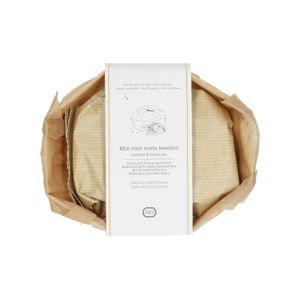 Bakmix voor feestbrood, aardbei & basilicum, 340 gram